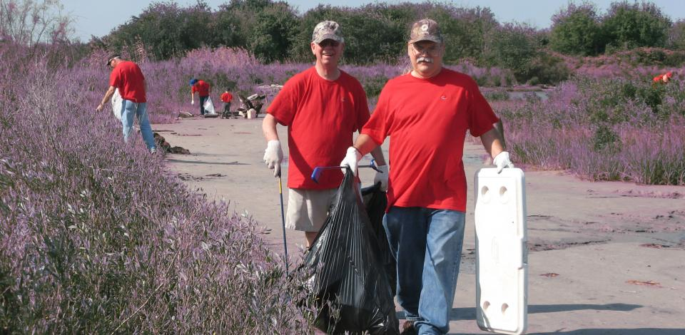 Cleaning up historic San Jacinto State Park